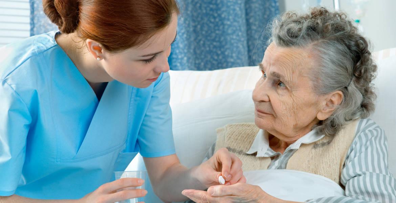 Infermiera per assistenza anziani